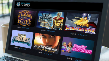 Royal Swipe Casino software and game variety
